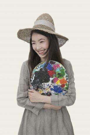Asian girl artist
