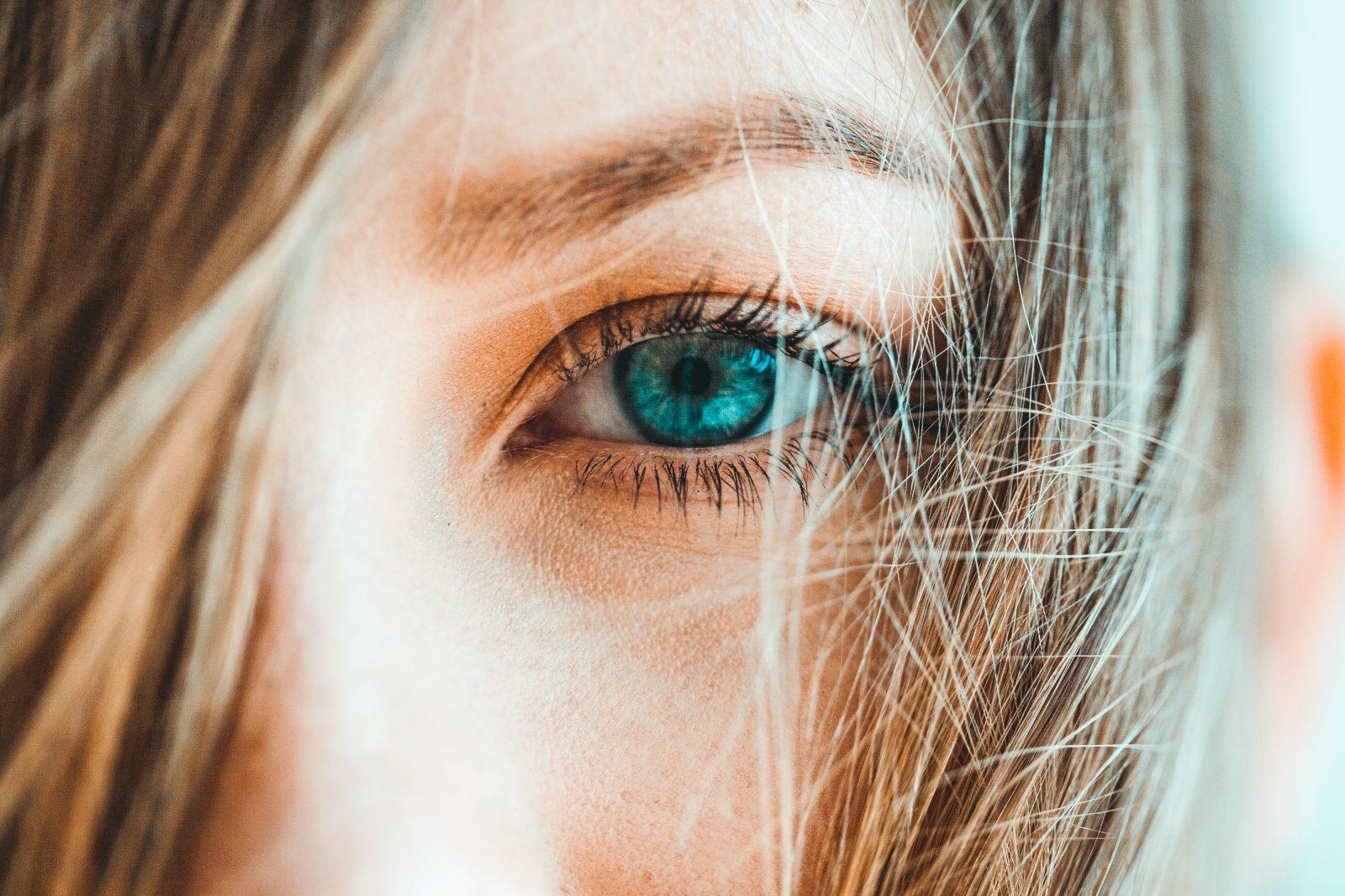 Blue eye details