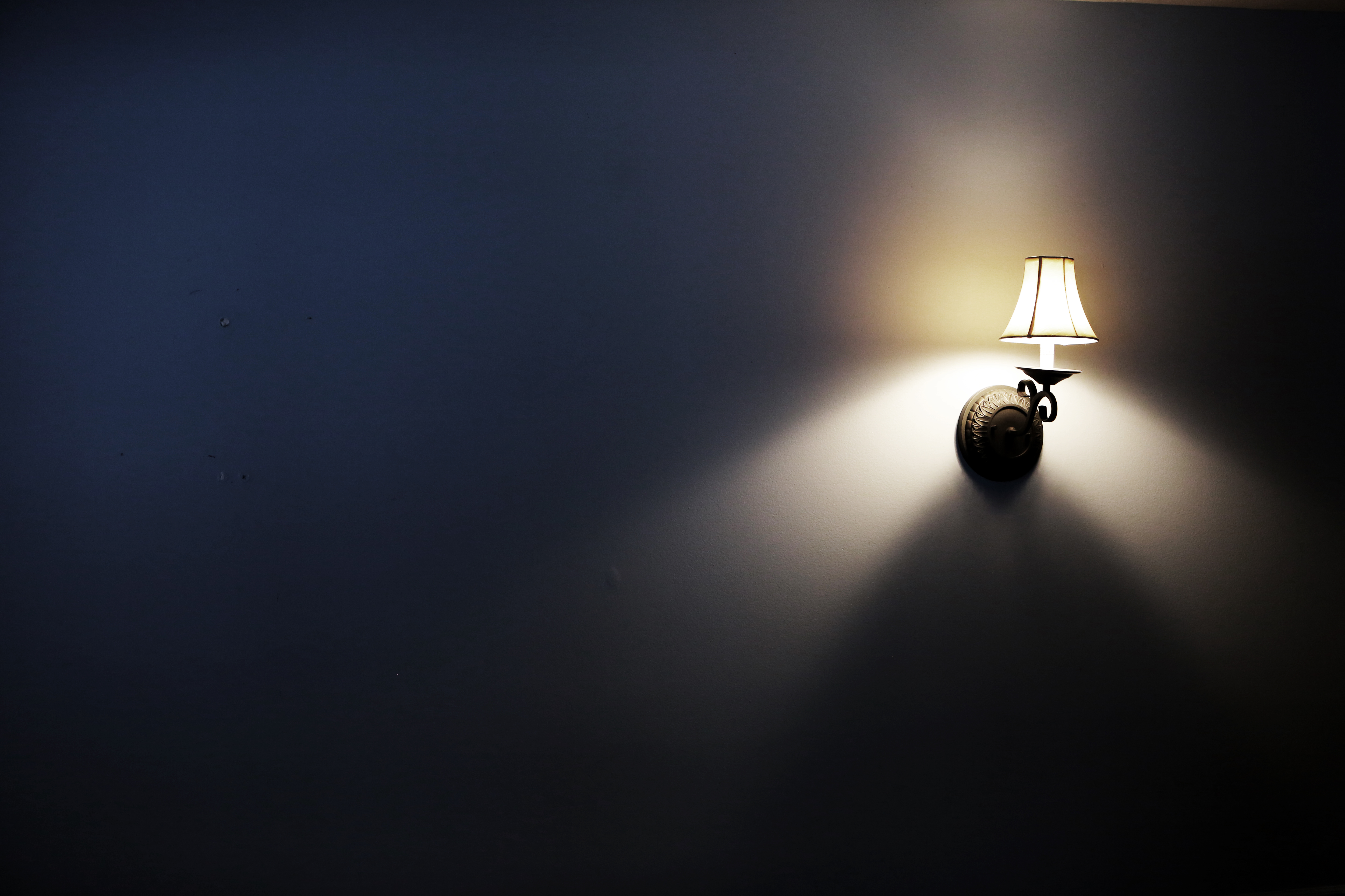 wall lamp free stock photos life of pix. Black Bedroom Furniture Sets. Home Design Ideas