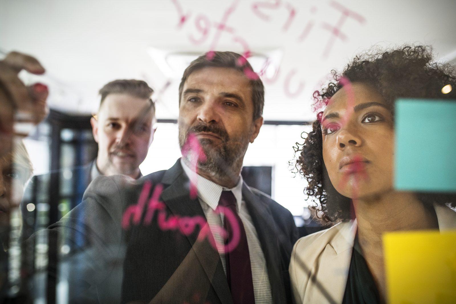 peran strategis manajemen sumberdaya manusia
