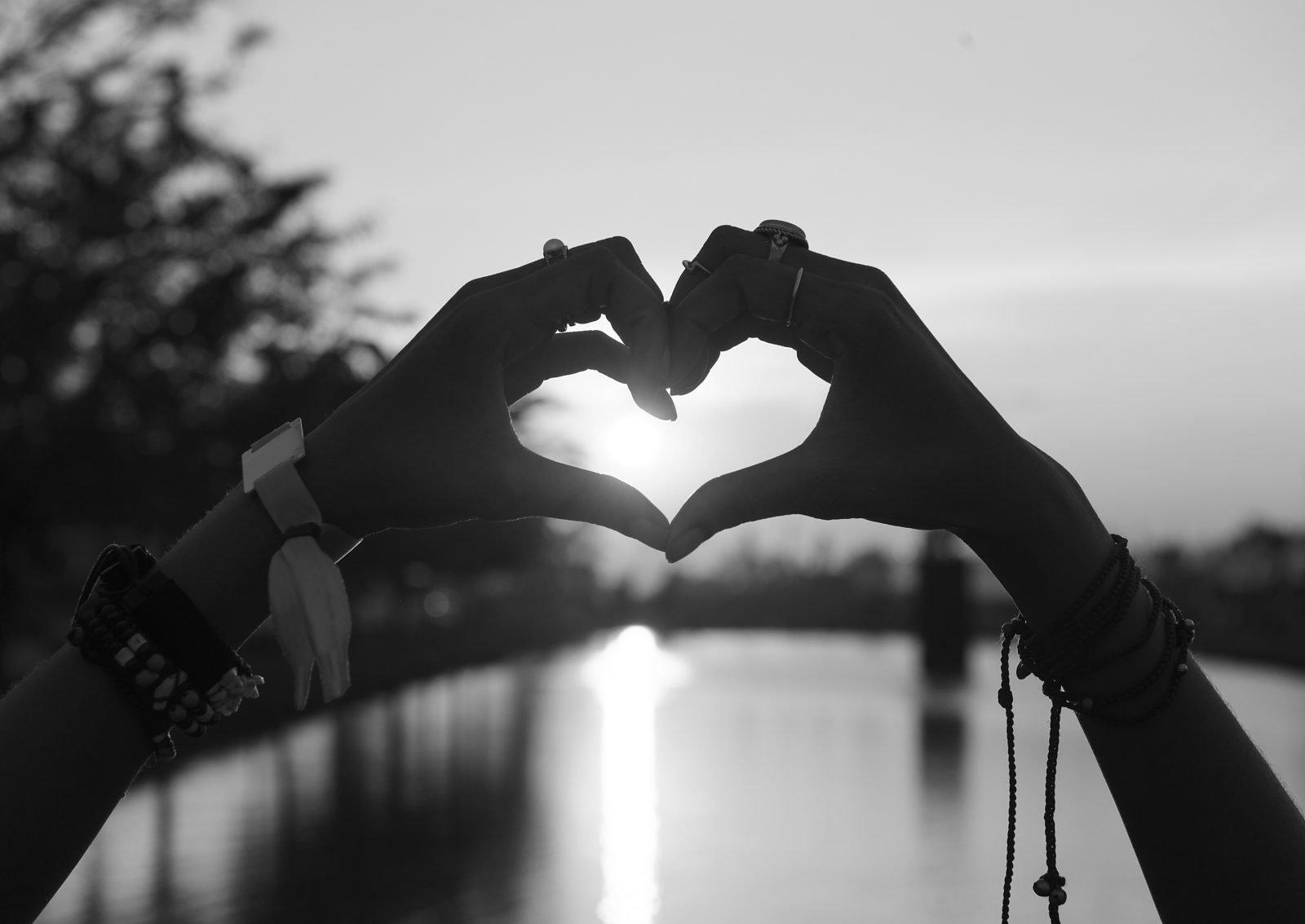 Pictures of heart hands